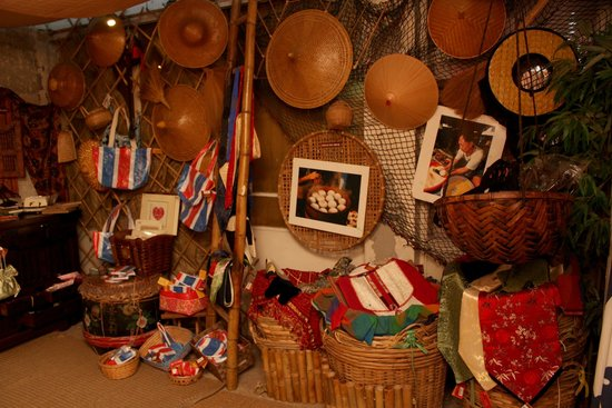 crossroads-global-handicrafts